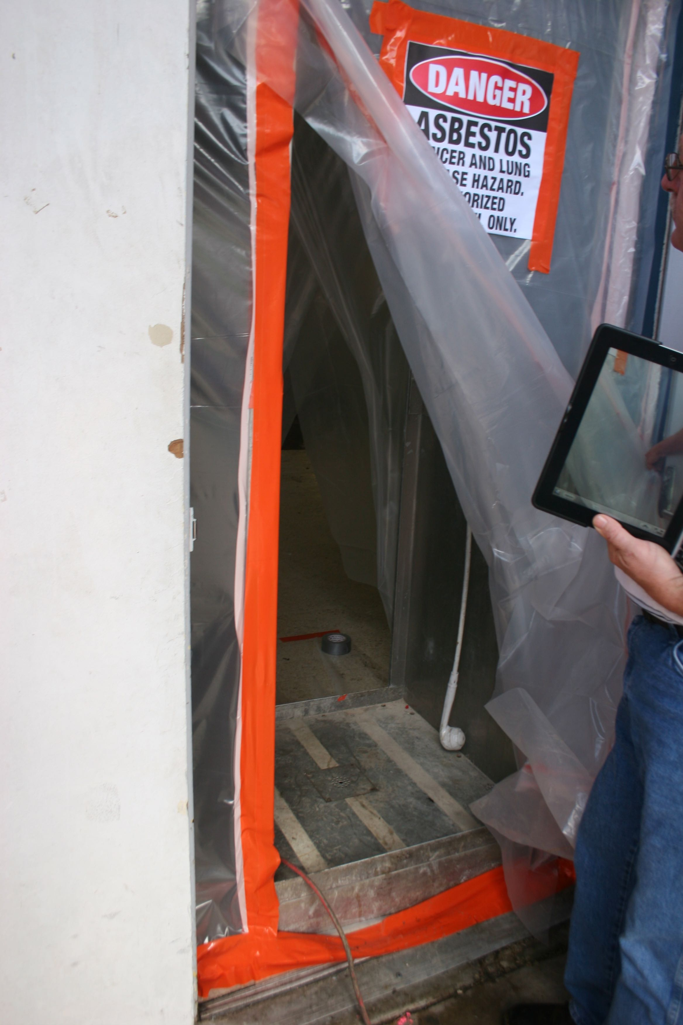Wynn l white consulting engineers asbestos floor tile removal in img9158 dailygadgetfo Image collections